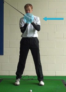 Relax the Arms to Maximize Distance 1