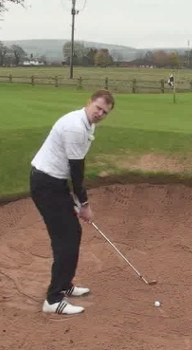 Why Do Golf Pros Bury Their Feet in the Bunker?